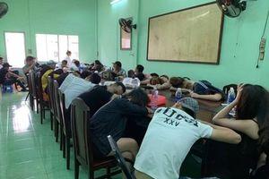 TP.HCM: Cảnh sát đột kích bar 386, phát hiện hàng chục 'dân chơi' phê ma túy