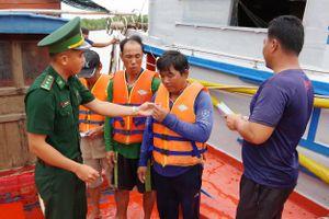 Tăng cường vận động ngư dân nâng cao ý thức phòng, chống thiên tai mùa mưa bão