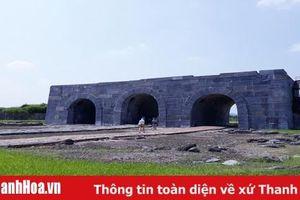 Các công ty du lịch và cơ quan báo chí khảo sát các khu, điểm du lịch tại Thanh Hóa