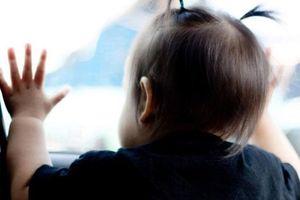 Công an thông tin vụ quên bé 3 tuổi trên xe đưa đón học sinh