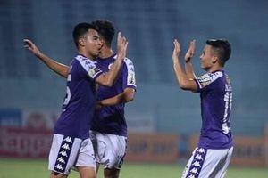 Các tuyển thủ Việt Nam ghi dấu ấn trên sân không khán giả
