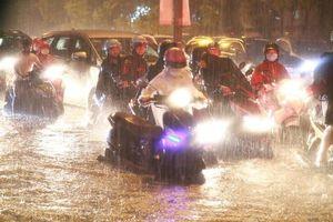 Bắc và Trung Bộ nắng nóng, Tây Nguyên và Nam Bộ tiếp tục mưa lớn