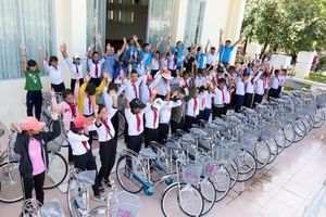 Tặng 47 xe đạp cho học sinh nghèo vượt khó tỉnh Ninh Thuận