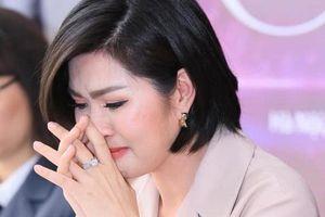 Ca sĩ Nguyễn Hồng Nhung chia tay bạn trai doanh nhân