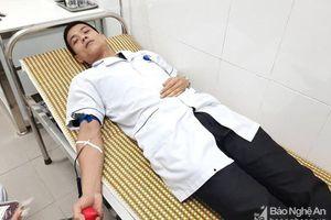 Hai điều dưỡng viên Nghệ An hiến máu, cứu sống bệnh nhân đa chấn thương