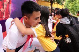 Cùng dàn sao Hà Nội FC giao lưu với học sinh trường Nguyễn Trường Tộ