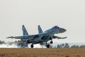 Tiêm kích Su-35 Nga xuất hiện tại sân bay Instanbul giữa căng thẳng Mỹ-Thổ về F-35