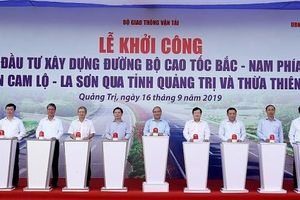 Thủ tướng Nguyễn Xuân Phúc phát lệnh khởi công dự án cao tốc Cam Lộ - La Sơn