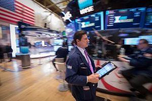 Giới đầu tư hồi hộp chờ Fed