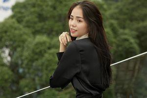 Hiện tượng cover Hương Ly có chồng năm 21 tuổi, bị đồn là mẹ đơn thân