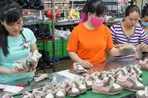 VCCI đề xuất bỏ nhiều quy định tiến bộ về lao động nữ