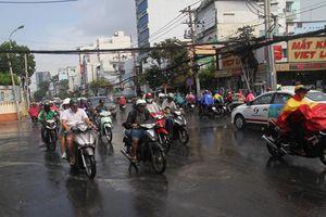 Sinh viên lần đầu xa nhà: Mưa Sài Gòn và những nỗi nhớ
