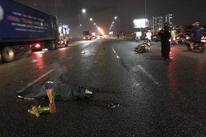 Truy tìm ô tô cán chết nam sinh viên trên cầu rồi bỏ chạy