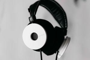 The White Headphones WH1 – Cực phẩm tai nghe chế tác thủ công từ gỗ maple của Grado Labs