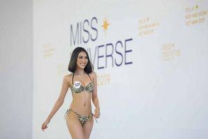 Thí sinh Hoa hậu Hoàn vũ Việt Nam 'đốt mắt' trong trang phục bikini