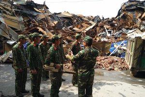 Đã vận chuyển gần 45 tấn rác thải nguy hại sau vụ cháy tại Công ty phích nước Rạng Đông