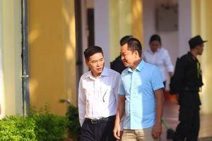 Hoãn xét xử vụ gian lận thi cử ở Sơn La: Sẽ áp giải nếu người triệu tập không đến