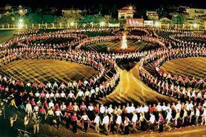 Tổng duyệt màn đại xòe tại Lễ hội Văn hóa - Du lịch Mường Lò 2019