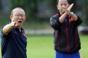 Chờ HLV Park Hang-seo lên tiếng về việc đổi lịch V-League để giúp Hà Nội FC