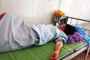 Kỷ luật kíp trực vụ thai nhi tử vong với vết đứt ngang cổ ở Hà Tĩnh