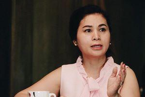 Bà Lê Hoàng Diệp Thảo 'nắn gân' báo chí trước phiên tòa