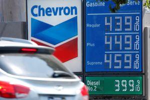 Ả Rập Xê Út tuyên bố sản xuất dầu đã 'phục hồi', giá dầu giảm