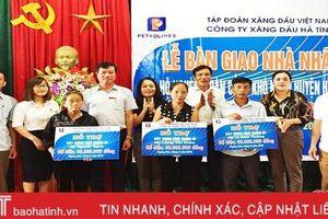 Trao 120 triệu đồng xây nhà nhân ái cho hộ nghèo Hương Khê
