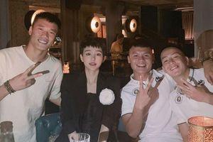 Quang Hải đang bí mật hẹn hò với nữ ca sĩ xinh đẹp?