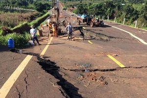 Toàn cảnh đoạn đường tránh 250 tỷ bị hư hỏng nghiêm trọng