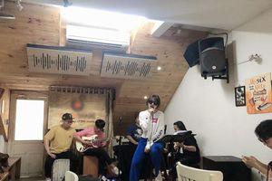 Hari Won tất bật tập luyện cho concert giữa đêm dù căng thẳng đến mức đổ bệnh