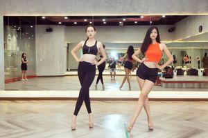 Á hậu Kiều Loan, Tường San khoe hình thể nóng bỏng, sải bước kiêu kỳ khi luyện tập catwalk