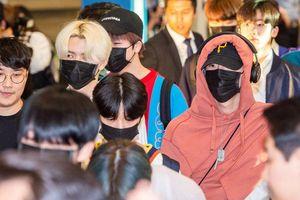 DBSK và Jisoo (Blackpink) rạng rỡ tại sân bay, X1 mệt mỏi trở về Hàn: Cho Seung Yeon lộ hình xăm