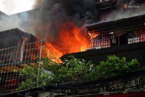 Hà Nội: Cháy lớn khu tập thể Kim Liên