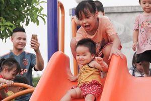 Chạy 13 vòng trái đất để lập quỹ xây dựng 63 sân chơi toàn quốc cho trẻ em