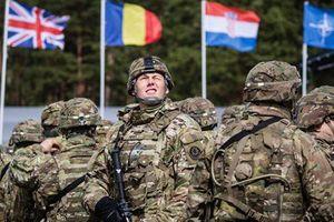 Lầu Năm Góc: NATO đang đánh mất lợi thế quân sự so với Nga