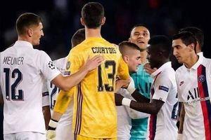 Thibaut Courtois: 56 bàn/40 trận, chỉ số 'đỉnh' như Ronaldo, Messi, vẫn… chỉ trích đồng đội