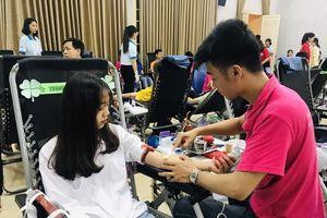 Phát động hiến máu tình nguyện: Giáo dục lòng yêu thương, chia sẻ