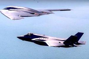 Máy bay ném bom tàng hình B-2 Spirit của Mỹ tập trận gần biên giới Nga