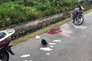 Người phụ nữ bất ngờ bị đâm khi đang lái xe lên cầu Bãi Cháy