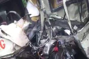Ô tô khách đấu đầu xe tải ở Phú Thọ, 6 người bị thương