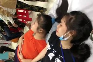 43 công nhân Công ty Bodynit Tiền Giang nhập viện do nghi ngộc độc thực phẩm