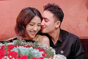 Phan Mạnh Quỳnh tình cảm chúc mừng sinh nhật bạn gái