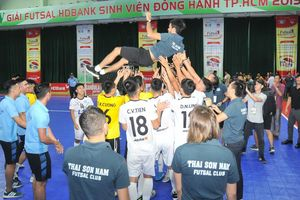 HLV Phạm Minh Giang: Tôi rất vui khi Thái Sơn Nam đã vô địch