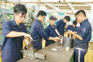 Đào tạo nghề chật vật với nhiều yếu kém, khó khăn