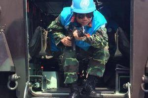 Xem lực lượng 'mũ nồi xanh' Việt Nam huấn luyện tại Indonesia