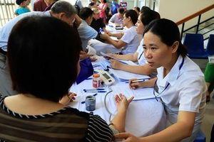 Miễn phí khám sàng lọc sau sinh cho người dân ở gần Công ty Rạng Đông