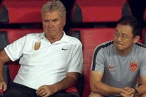 HLV Guus Hiddink bị sa thải sau trận thua U22 Việt Nam