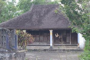 Nỗi niềm những người già lo bảo tồn làng cổ