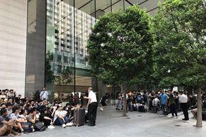 Bộ ba iPhone 11 bắt đầu chính thức lên kệ bán lẻ trên khắp thế giới