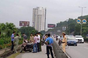 Người phụ nữ đi xe máy bị chặn đường đâm trọng thương gần cầu Bãi Cháy đã tử vong